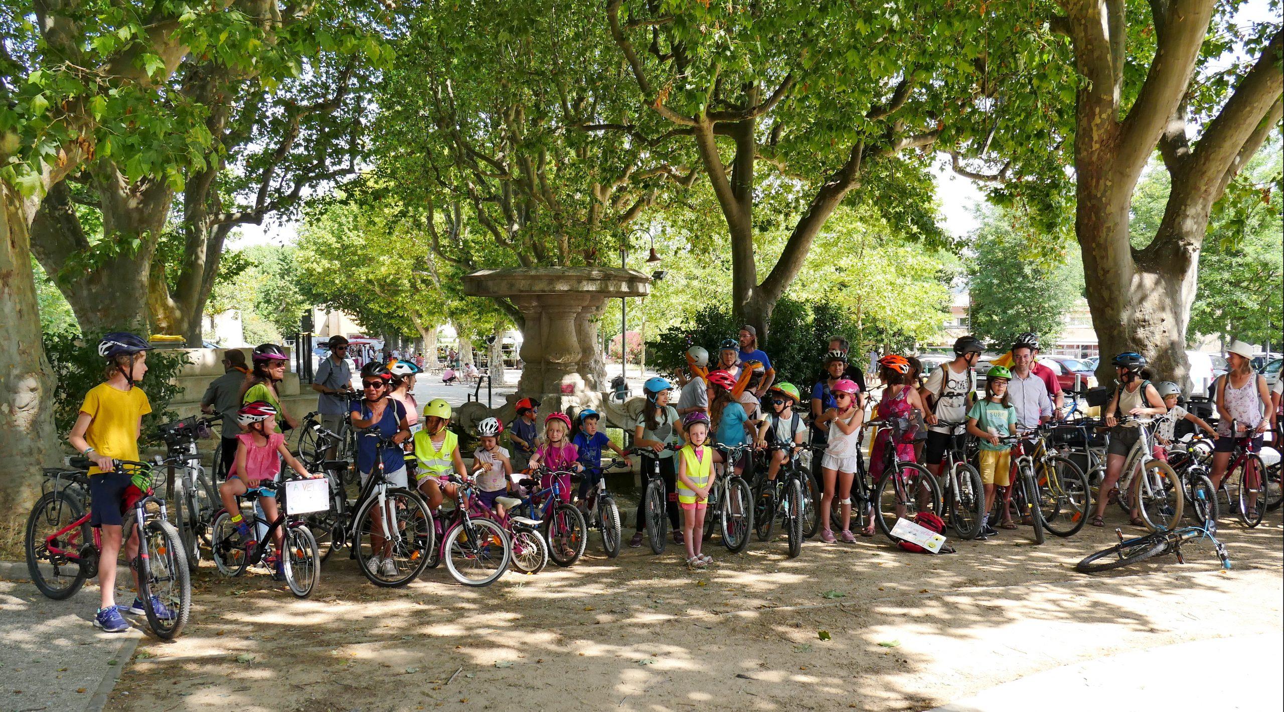 Beau succès pour notre première balade à vélo !